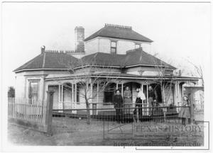 Primary view of object titled '[W.A. Roundtree Family and Home]'.
