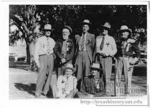 Primary view of object titled '[Pioneer Reunion visiting on Courthouse Lawn]'.