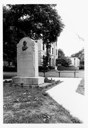 [Erastus (Deaf) Smith monument on Fort Bend County Courthouse lawn.]
