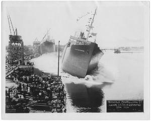 "[Pensacola Ship Building Co. launching the S. S. ""City of Weatherford"" #1]"