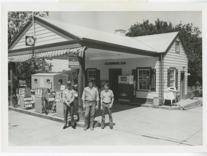 Johnson's Texaco Station, Round Rock] - The Portal to Texas