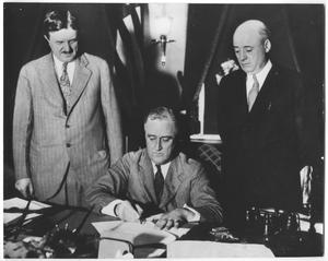 Primary view of object titled 'Photograph of Senator Clarence Dill, President Franklin Roosevelt and Sam Rayburn'.