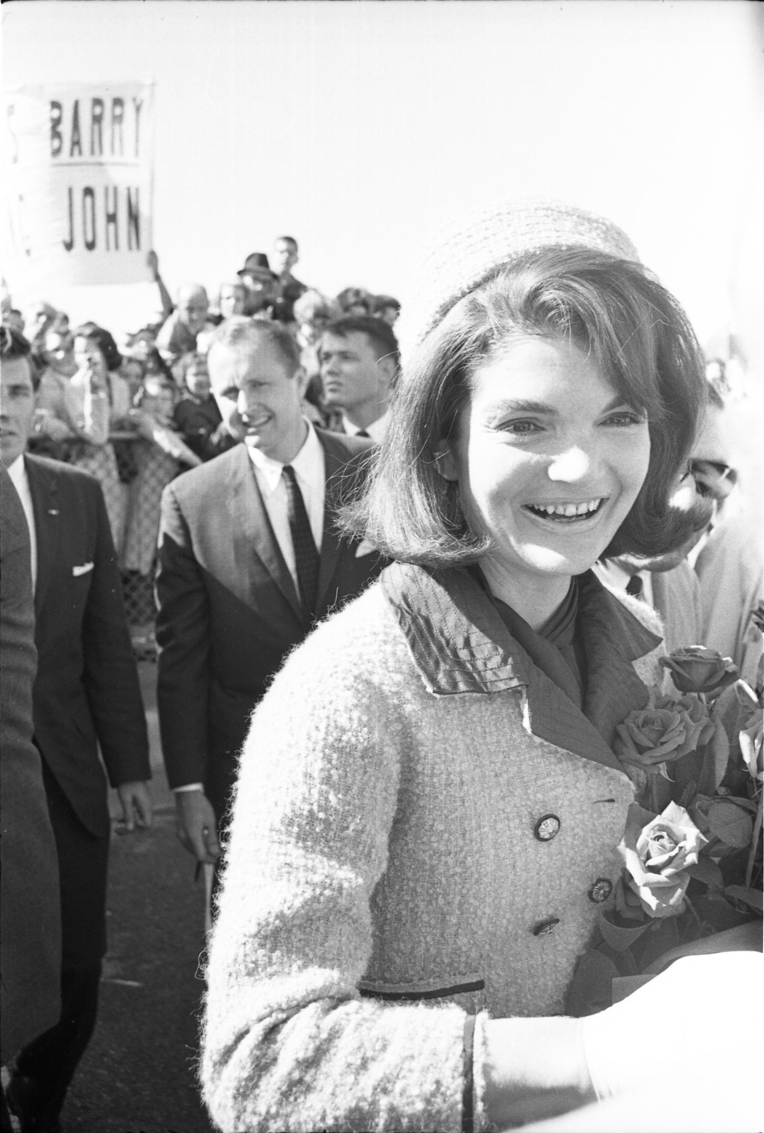 [Jacqueline Kennedy greeting the crowd at Love Field]                                                                                                      [Sequence #]: 1 of 1
