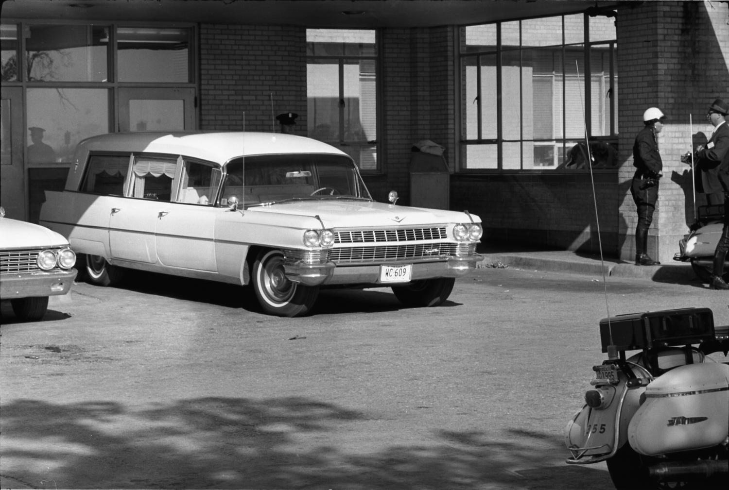 Oneal Funeral Home Hearse At Parkland Hospital The
