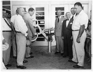 [Abe and Joe Weingarten and Mayor Joe Runnels at opening of Weingarten's 20th store]