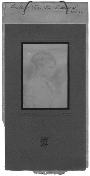 Primary view of object titled '[Portrait of an unidentified young woman at Newcomb College]'.