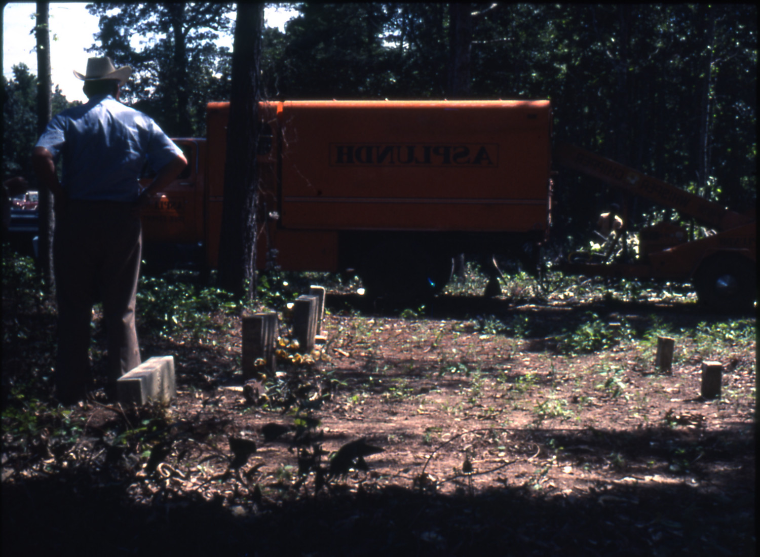 [Cemetery Cleanup, Marshall]                                                                                                      [Sequence #]: 1 of 1