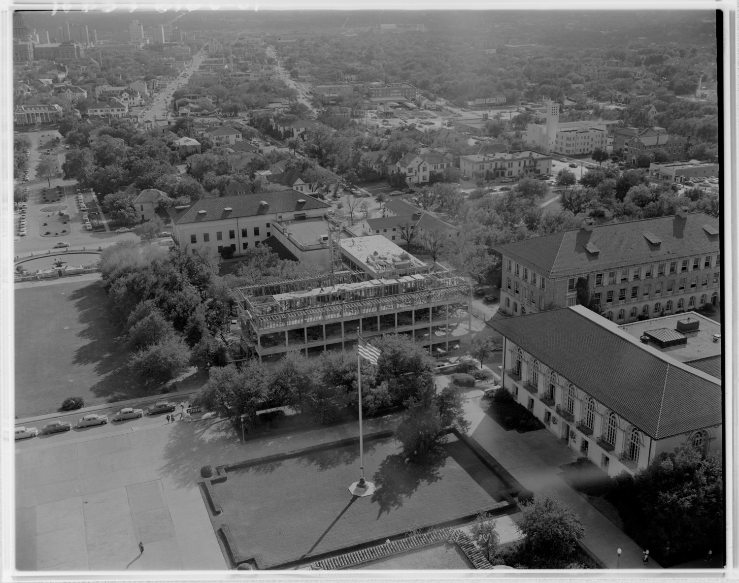 [An aerial view of construction at the University of Texas]                                                                                                      [Sequence #]: 1 of 1