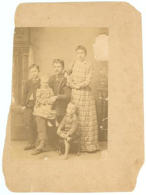 Primary view of object titled '[Chaney Family]'.