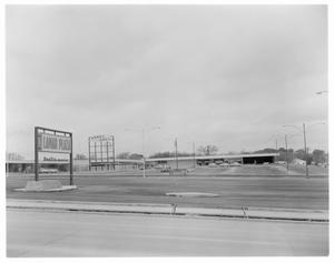 Primary view of object titled 'Lamar Shopping Center; South Lamar Plaza'.