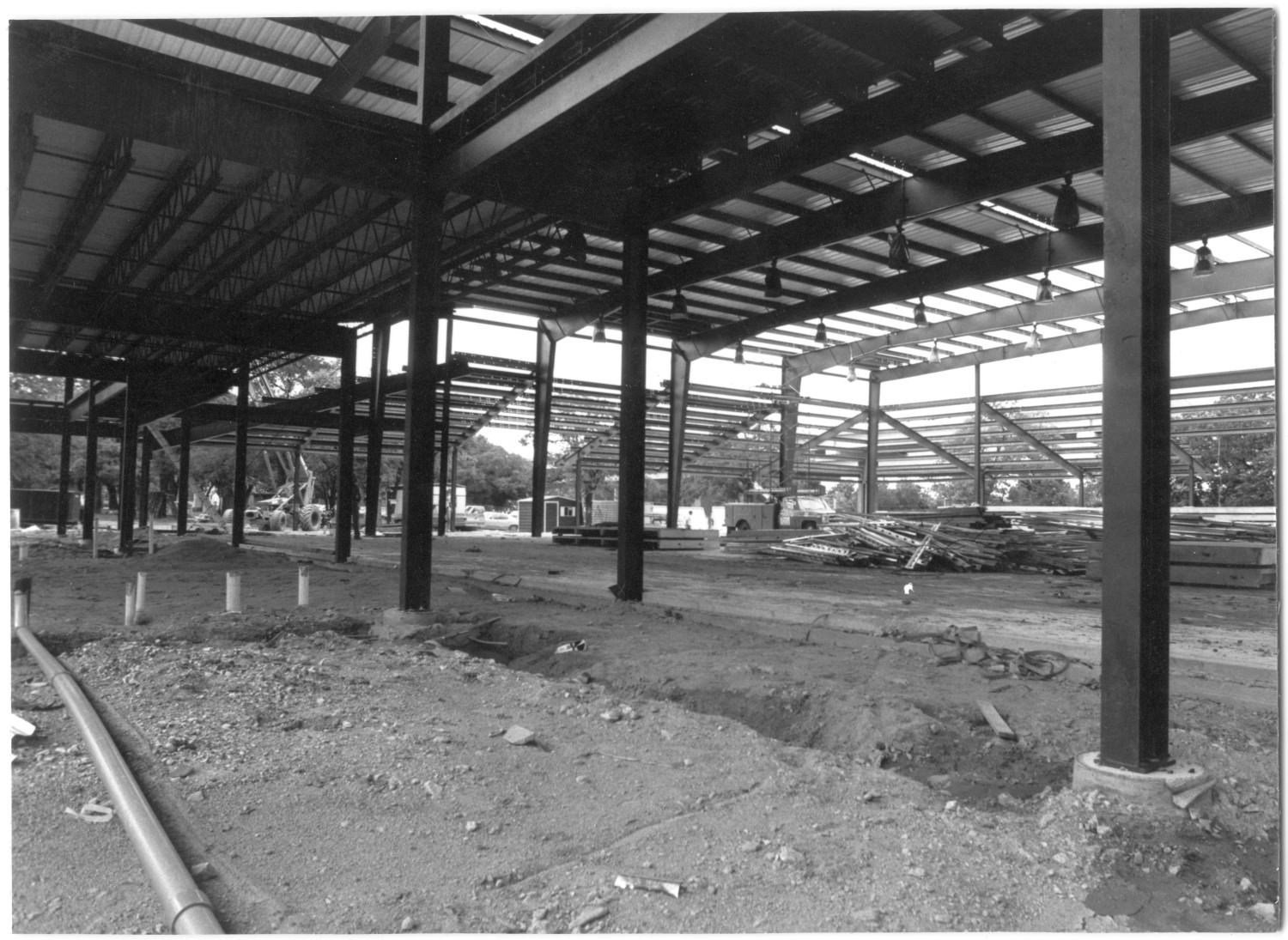 Woltman Activities Center under construction                                                                                                      [Sequence #]: 1 of 1