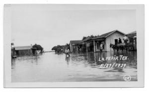 Primary view of object titled '[Flooded Streets in La Feria]'.