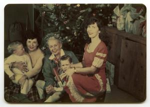 Primary view of object titled '[Abreu Family Christmas ]'.