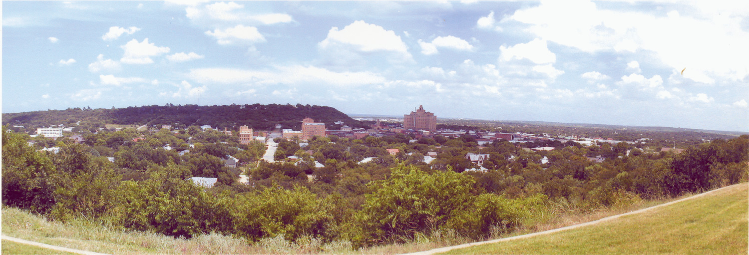 [A Panorama of Mineral Wells, Texas:   Looking East]                                                                                                      [Sequence #]: 1 of 1