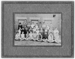 Primary view of object titled '[West Ward Elementary School class]'.
