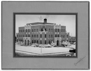 Primary view of object titled '[Collingsworth County Courthouse covered in snow]'.