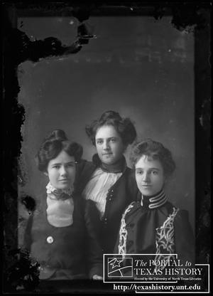 Primary view of object titled '[Alice Snearly, unknown woman, and Gertrude Snearly Kelley]'.