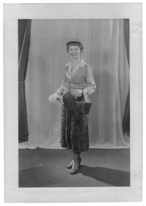Primary view of object titled '[Gladys Wallace]'.