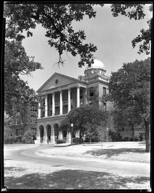 Primary view of object titled 'Old Admin Building before circle drive'.