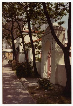 Primary view of object titled '[Santa Anita Restaurant, exterior]'.