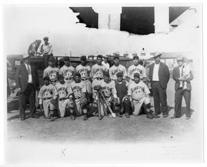 Primary view of object titled '[Alamo Furniture Company baseball team]'.