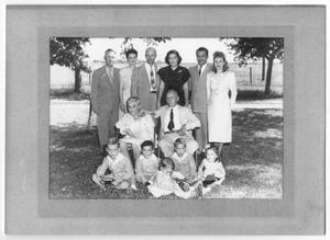 Primary view of object titled '[Madsen Family Portrait]'.