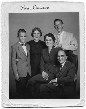 Primary view of object titled '[Duus Family Portrait]'.