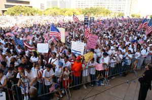 Primary view of object titled '[Large crowd of immigration protesters in downtown Dallas]'.