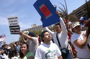 [Immigration protesters rally in Dallas, Texas]