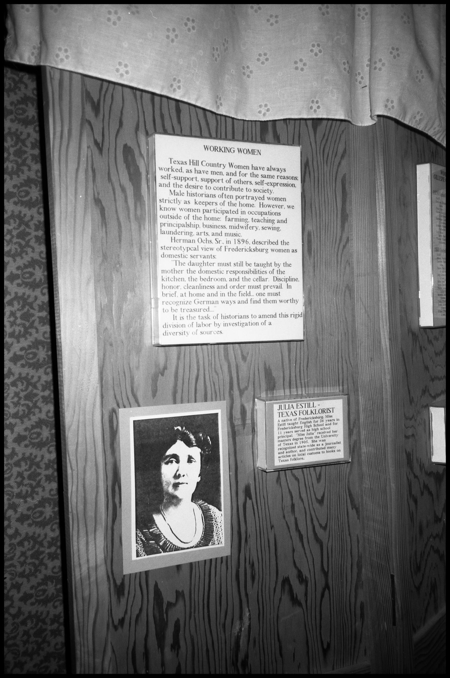 [Photograph of an Exhibit in Gillespie County Historical Society]                                                                                                      [Sequence #]: 1 of 1