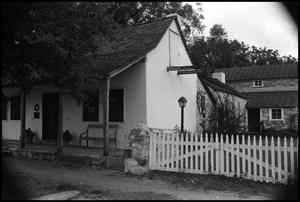 Primary view of object titled '[Photograph of a Building in Fredericksburg]'.