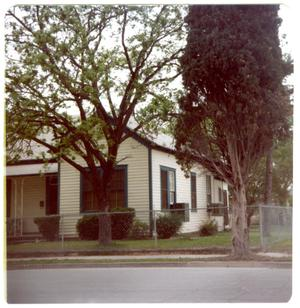 Primary view of object titled '[Wood Home - 418 Garfield]'.
