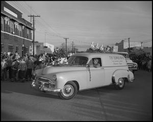 Primary view of object titled '[Cars in Santa Parade]'.
