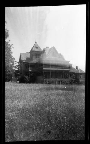Primary view of object titled '[George Wright Home - 900 Block of S. Sycamore]'.