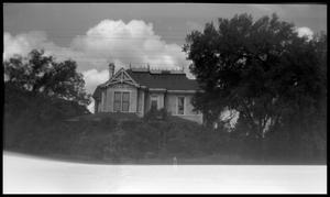 Primary view of object titled '[805 S. Sycamore - George Edward Dilley House]'.