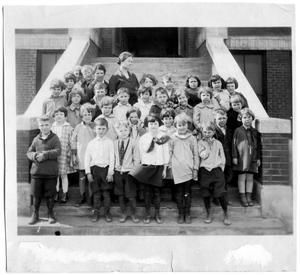 Primary view of object titled '[Sanger School class picture 1925, First grade]'.