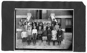 Primary view of object titled '[Sanger School class picture 1923-24, Third Grade]'.