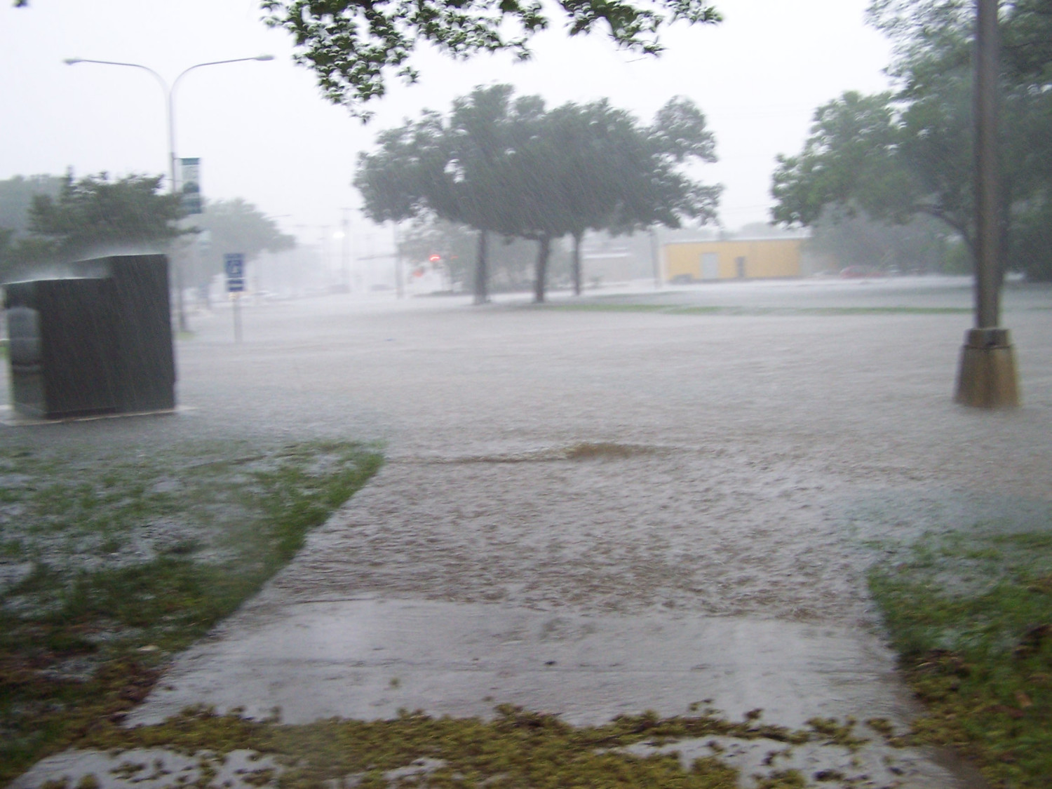 [Photograph of Flood waters at the Denton Public Library, Emily Fowler Central Library]                                                                                                      [Sequence #]: 1 of 1