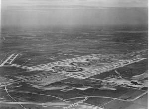 Primary view of object titled '[Aerial Photograph of Dallas-Fort Worth Regional Airport]'.