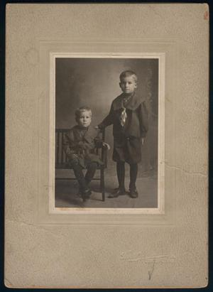 Primary view of object titled '[Photograph of Glenn and Jamie Slaton]'.