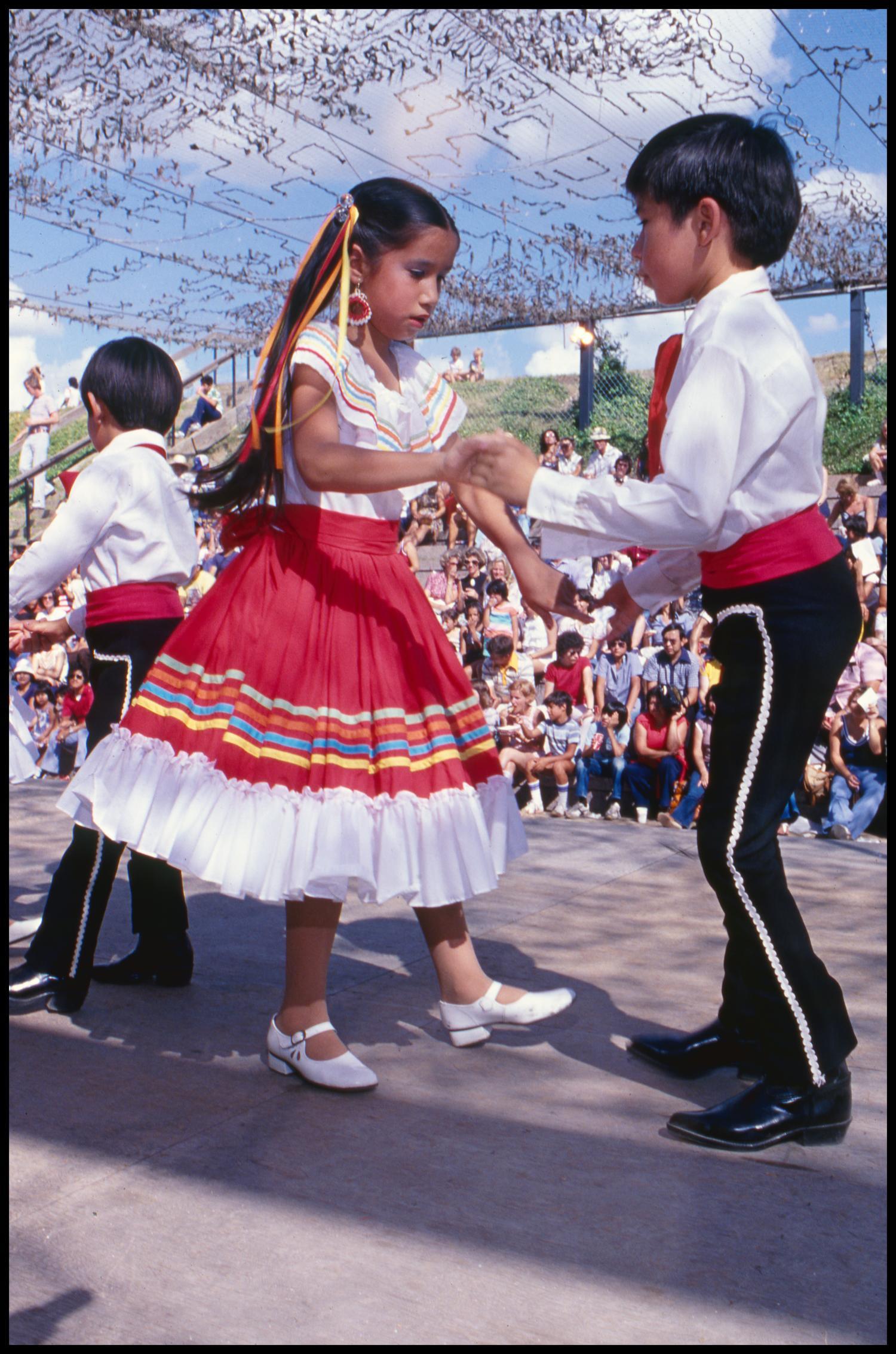 Ballet Folklorico De San Antonio Dancers At The Texas