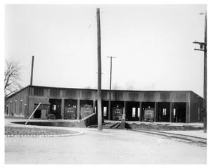 Primary view of object titled '[Roundhouse at Gainesville, Texas]'.