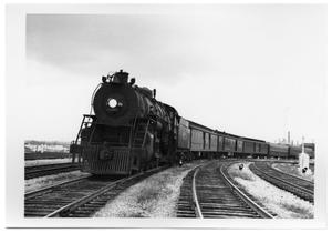 Primary view of object titled '[Cotton Belt train in Dallas]'.