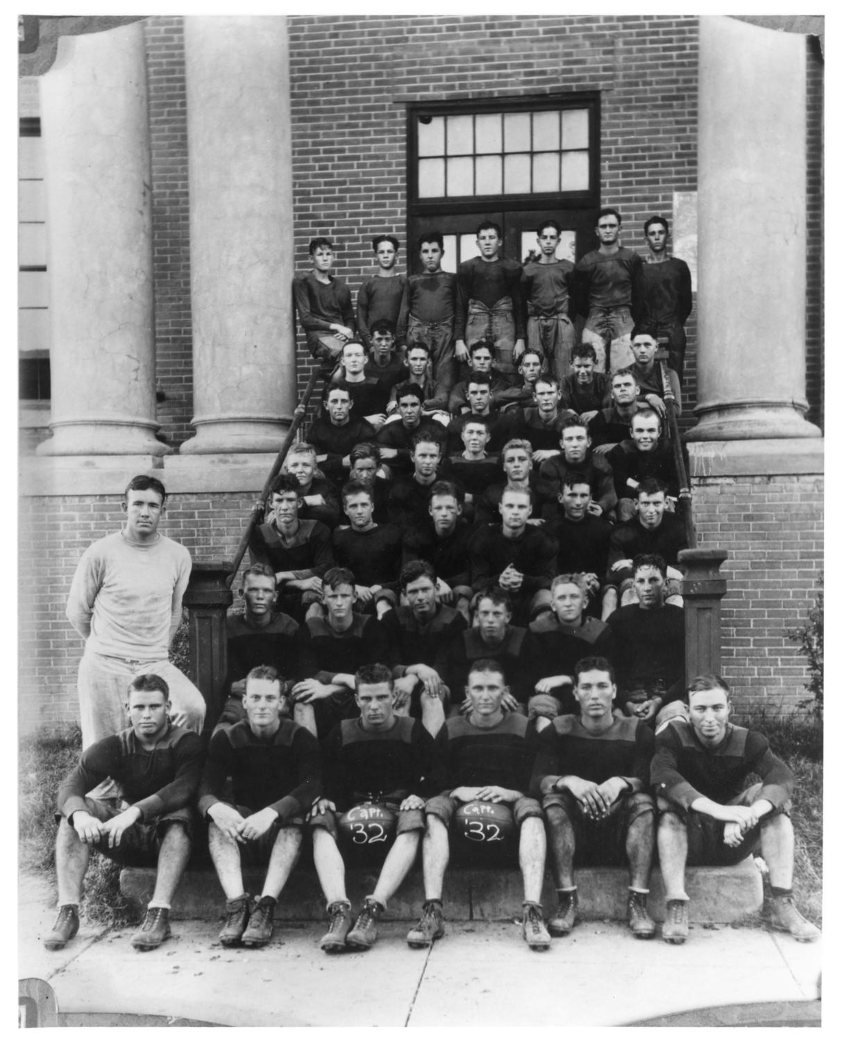 [Palestine High School Football Team - 1932]                                                                                                      [Sequence #]: 1 of 1