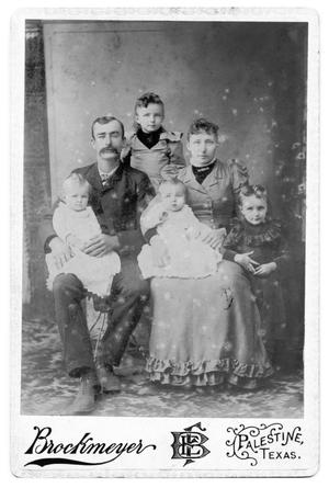 Primary view of object titled '[Unidentified Family]'.