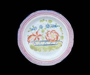 Primary view of object titled 'Dinner plate'.