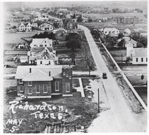 Primary view of object titled 'Greenville Avenue, Elevated View 1927, Richardson, Texas'.