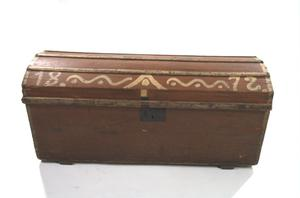 Primary view of object titled 'Texas pine chest'.