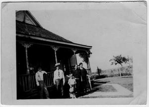 Primary view of object titled 'Charlie and Clara Grissom family, Richardson, Texas'.