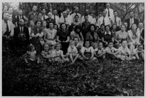 Primary view of object titled 'Routh Family Reunion, Routh Home, Plano, Texas'.